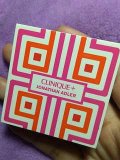 Clinique mini eyeshadow and blush palette