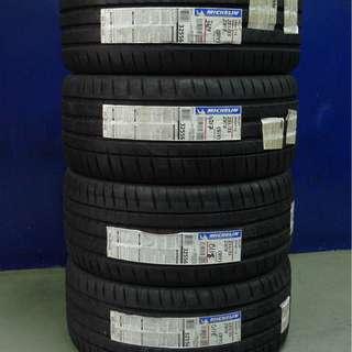 235/35/19 Michelin Pilot Sport 4S