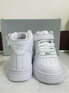 🚚 Nike Air Force 高筒 女生運動鞋