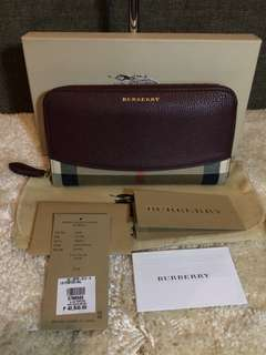 Authentic Burberry Zip Wallet with Tag, Dustbag and Box