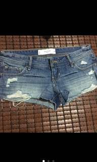 GILLY牛仔短褲