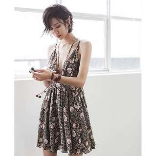 🚚 Candy w ❤️現貨❤️波希米亞雪紡性感V領復古印花短洋裝