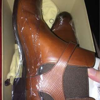 Authentic Louis Vuitton ankle boots size 8