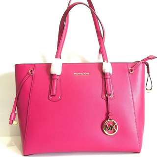 mk voyager M tz tote ultra pink