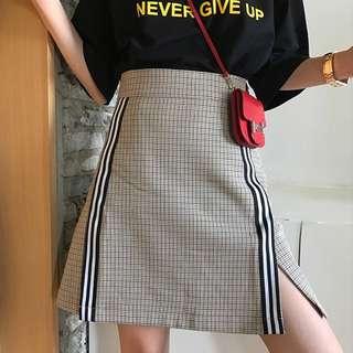 VM 夏 復古原創 學生簡約 時尚格紋貼織帶設計 高腰A字開叉短裙