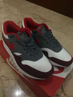 Airmax 1 red university cool grey
