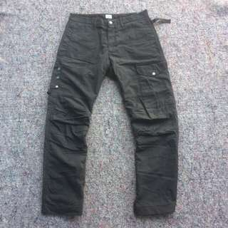 CP COMPANY REGULER CARGO LONG PANTS BLACK WASHED