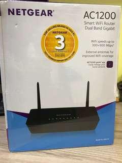 Netgear AC1200 smart wifi dual band router