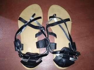 RUBI Sandals/Slippers