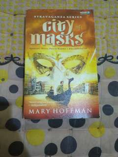 City of Masks - Mary Hoffman (indo)