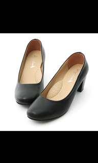 🚚 D+AF 素面圓頭5cm粗跟鞋