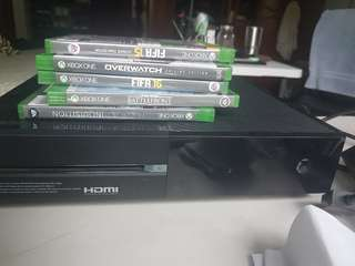 Xbox one 500gb with games and a controller