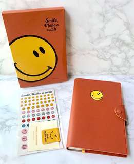 🙂Innisfree Smile Make a Wish 365 Diary Notebook Journal + Free Stickers!