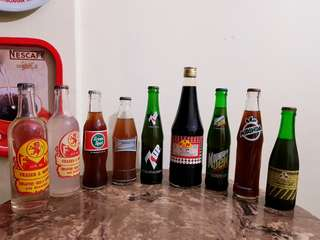 Vintage Popular Soft Drinks, different brands. Good condition. $20 to 38, Sms 96337309.