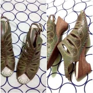 Green Sandals ( Pikolinos )