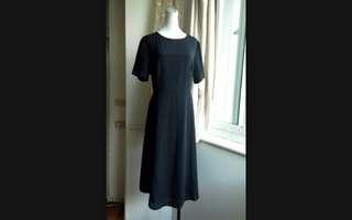 🚚 新加坡時尚品牌ZALORA 簡約素雅雪紡長洋裝