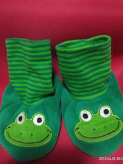 Repriced!!! Cutey frog socks!