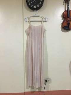 Maxi dress with back slit