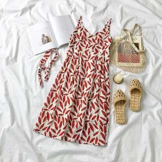 👉🏻氣質百搭紅葉度假連衣裙👈🏻 海灘 度假 休閒 小吊帶背心裙 復古 小洋裝 吊帶洋裝 學院風 氣質