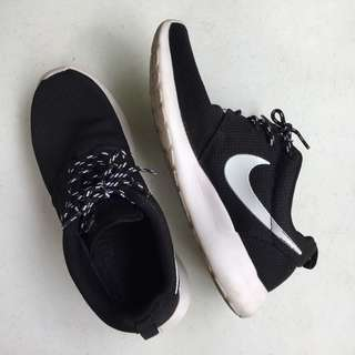 Nike Roshe Run (Exact Replica)