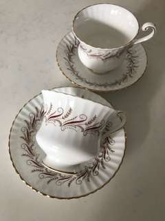 Vintage Teacups and Matching Saucer (C)
