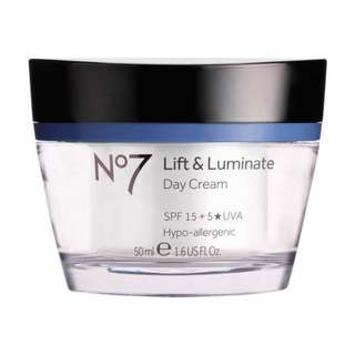 BOOTS NO.7 LIFT AND LUMINATE ANTI-AGING DAY CREAM SPF 15