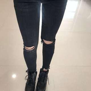 🚚 膝蓋割破牛仔長褲