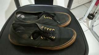 Vans authentic black gum size 43