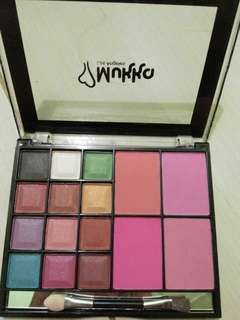 Mukka eyeshadow+ blush on