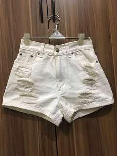 Celana pendek ripped jeans putih