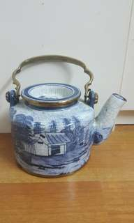 Porcelain Pot - Ming Blue