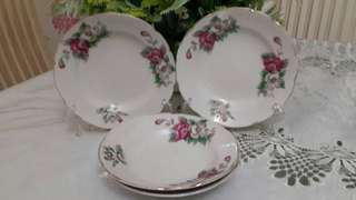 Plate White and Pink Roses