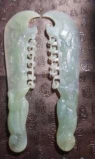 冰糯種玉刀一對,長27cm,手工細緻,雙面雕刻,風水擺設、鎮家宅一流,$1380。