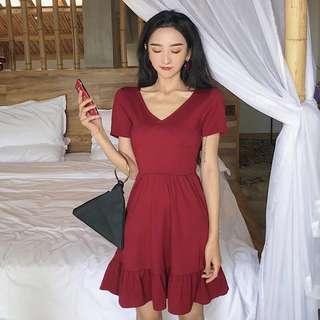 🚚 紅色低胸洋裝