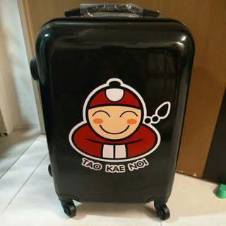 Luggage Brand new luggage carry case , black color , collect at punggol. No TSA,  height 49cm width 20cm length 35cm, non expandable.