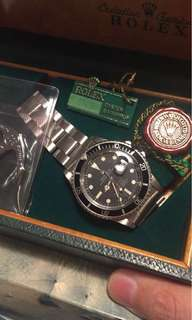 Rolex 1680 單紅mk4全套 全套有紙有盒1680 單紅mk4 開口六靚面, 9315 錶帶全對期, 銀色日曆盤,絕無番寫番填原裝車輪紋夜光,出世紙有漬不完美, 平賣$19萬, 流水號287xxxx