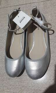 Pimkie metalic silver doll shoes