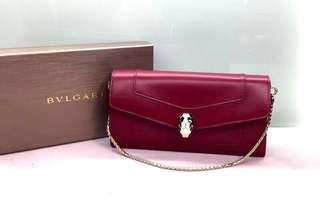 Bvlgari 蛇頭手袋銀包 Ruby Red Calf Leather Size: 19 x 10 x 3 Short chain 長約34.5cm Real and New 新貨到😍