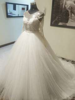 Preloved Two-way wedding gown