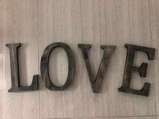 LOVE 木製字座