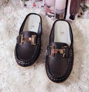 Sanuk leather half shoes