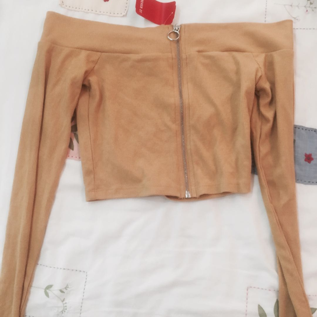 0c4efce3e0d94 BNWT Forever 21 mustard yellow ring crop Long sleeve TOP authentic ...
