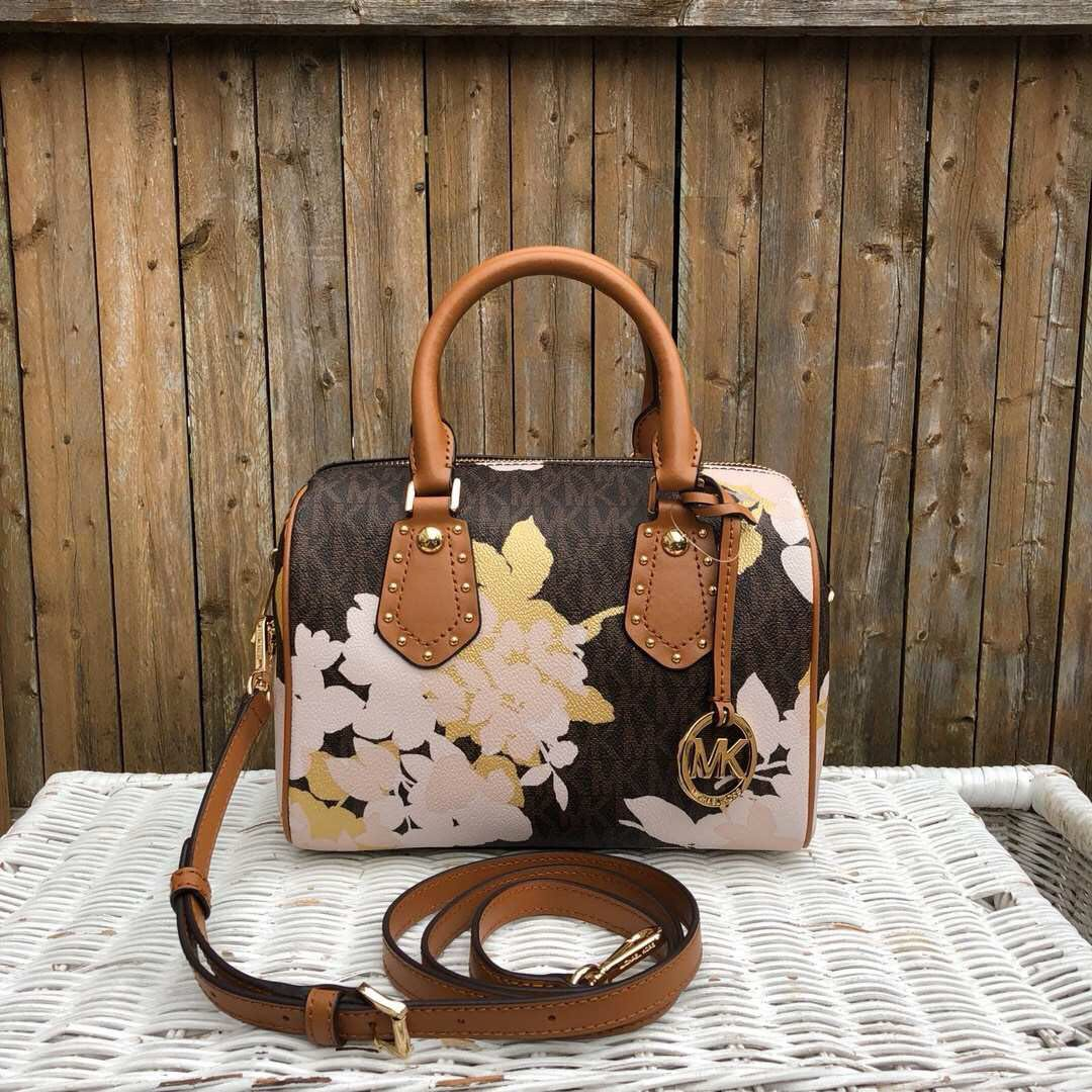 b576445c1892 Michael Kors Aria Small Satchel Preorder, Women's Fashion, Bags ...