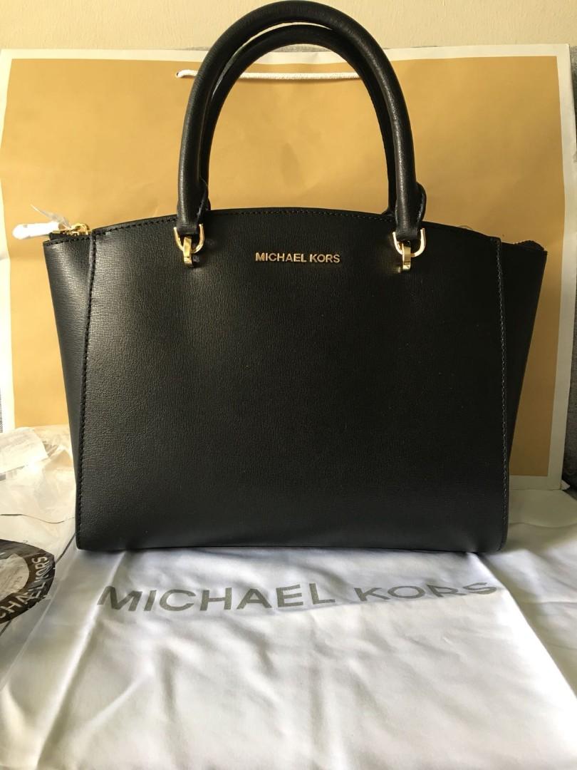 a37e16d3d52d Authentic Michael Kors Handbag
