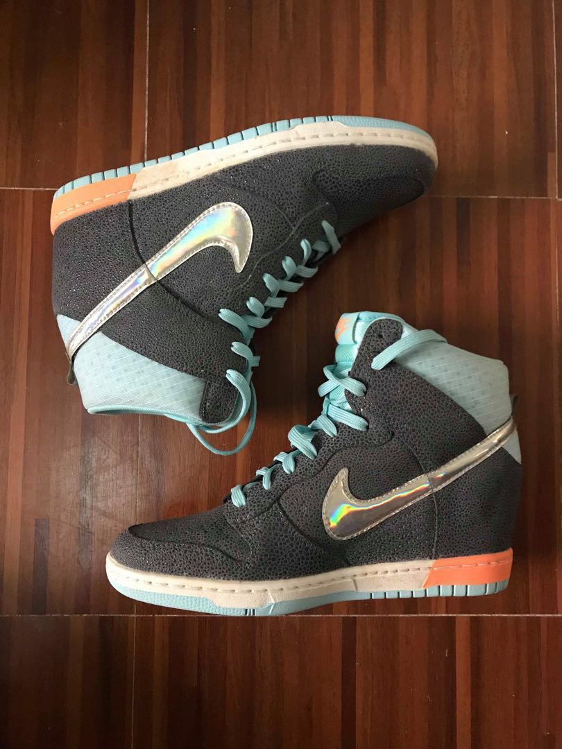 separation shoes 471d2 edd61 Nike Dunk Sky Hi Premium Wedge Sneakers (with Hologram Swoosh), Women s  Fashion, Shoes on Carousell