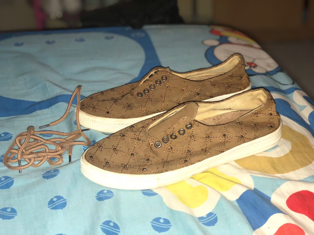 Sepatu brown triset a1cf4f7737