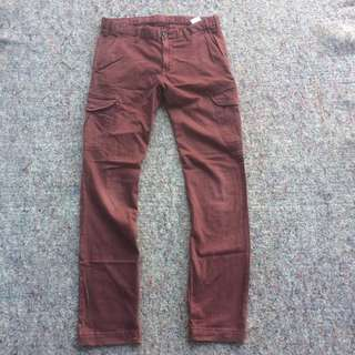 UNIQLO CARGO LONG PANTS BURGUNDY