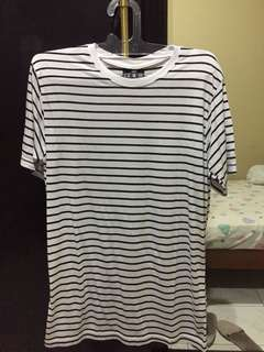 Kaos Baju Strip Cowok Hitam Putih by Nicks