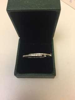 周生生750鑽石耳圈耳環,內外圈都鑲有鑽石,共36份