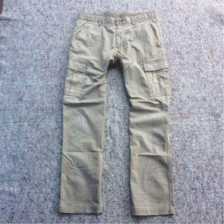 UNIQLO CARGO LONG PANTS KHAKIS STRETCH